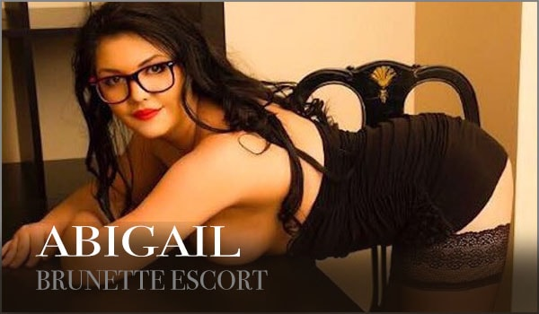 Naughty Brunette Escort