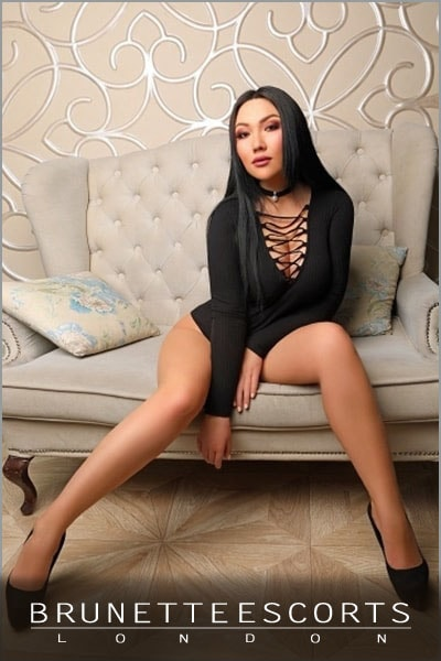 janet-brunette-escorts