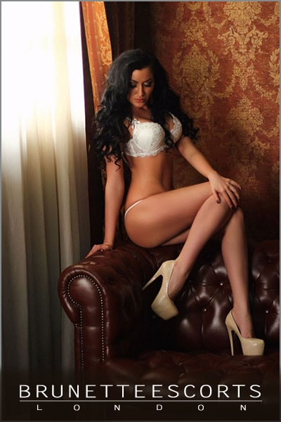 pearl-brunette-escorts